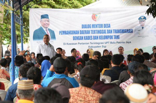 Dialog Menteri Desa PDTT dengan Kepala Desa dan Kelompok Tani